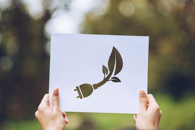 Salvar, mundo, ecologia, conceito, conservação ambiental, com, mãos, segurando, recorte papel, mostrando Foto Premium