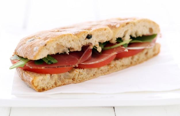 Sanduíche delicioso Foto gratuita