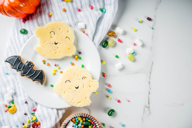 Sanduíches de fantasma engraçado para o halloween Foto Premium
