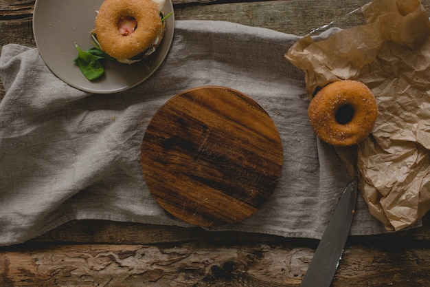 Sanduíches de rosquinha Foto gratuita