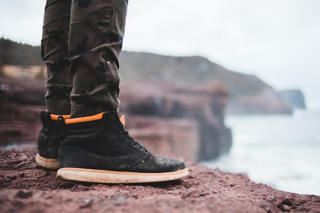 Sapatos de cadarço pretos do homem Foto gratuita