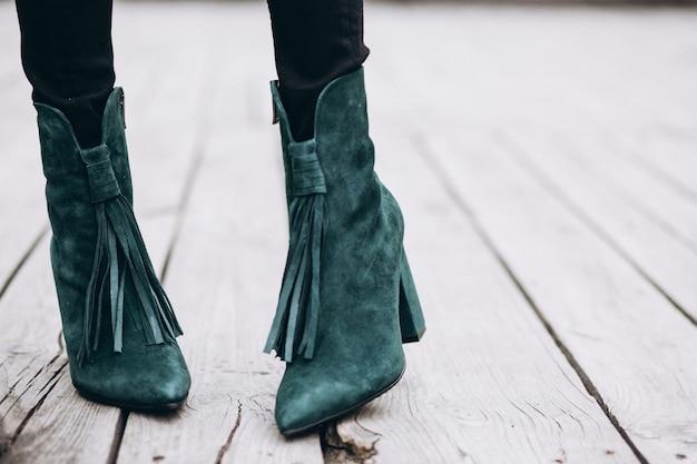 Sapatos de mulher close-up Foto gratuita