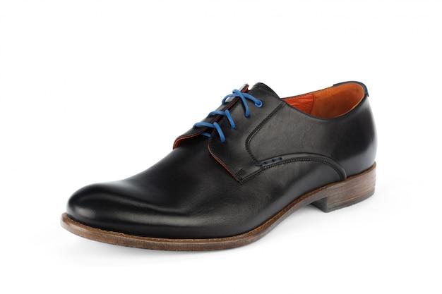 Sapatos masculinos formais de couro preto isolados Foto Premium