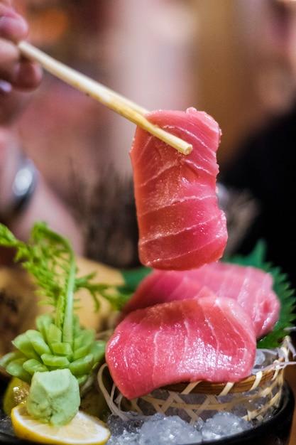 Sashimi de atum Foto gratuita