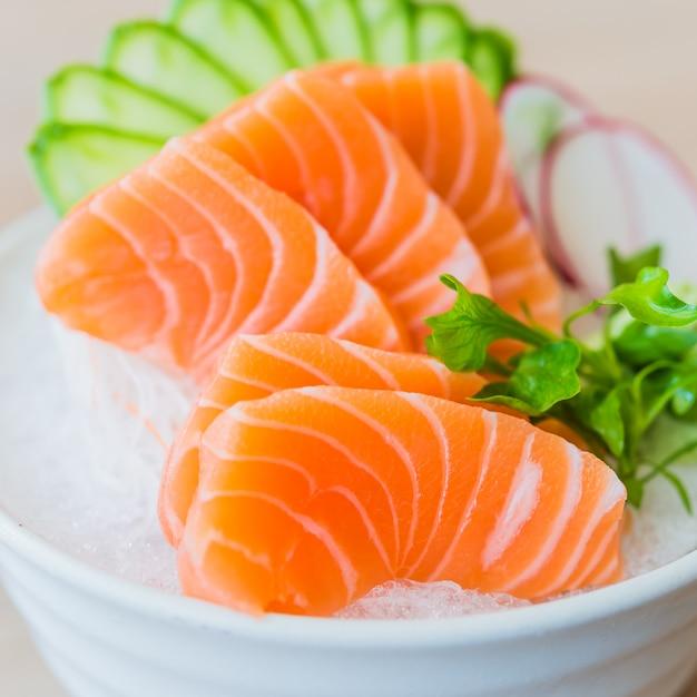 Sashimi de salmão Foto gratuita