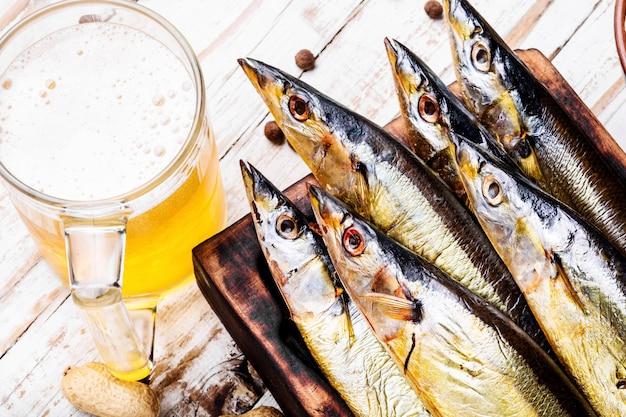 Sauro de peixe defumado Foto Premium