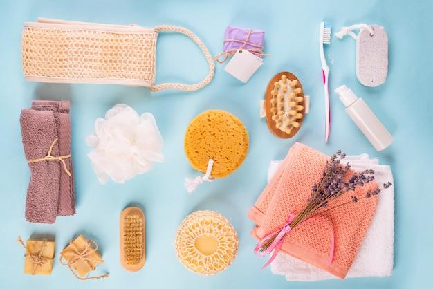 Scrub peeling escova purificador de corpo massageador bucha barra de sabão em azul Foto Premium