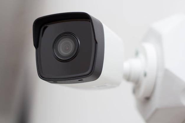 Segurança video da câmera do cctv no branco. Foto Premium