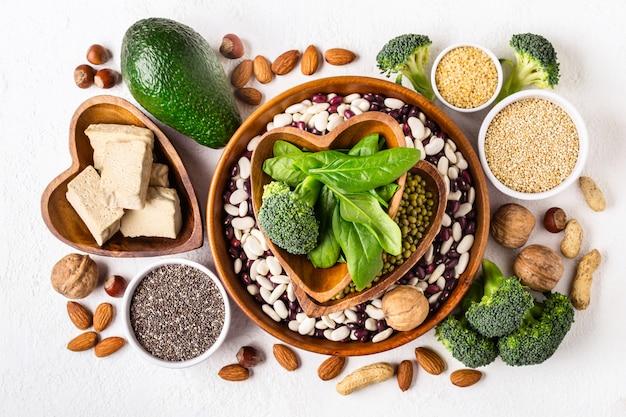 Seleção de fontes de proteína vegetal e superalimentos Foto Premium