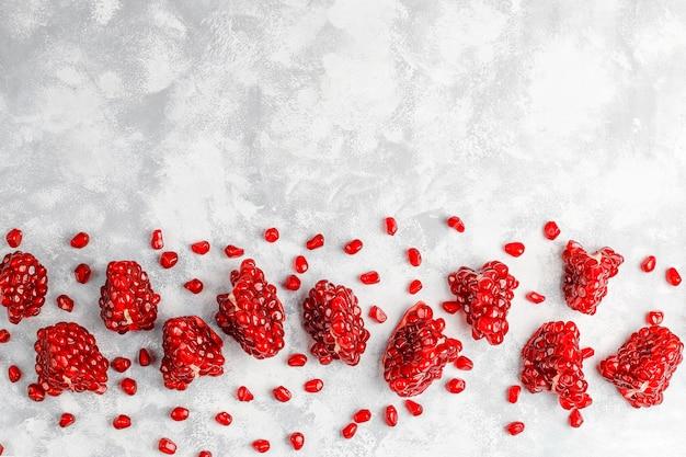 Sementes de romã doce, foco seletivo Foto gratuita
