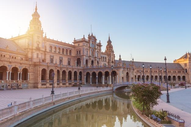 Sevilha espanha e plaza de espana no verão Foto Premium