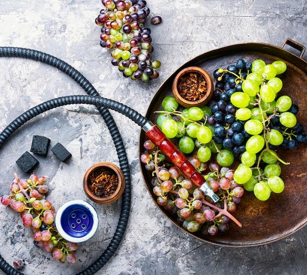 Shisha com sabor de uvas Foto Premium