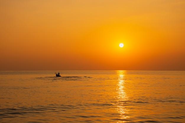 Silhueta negra, pôr do sol Foto Premium