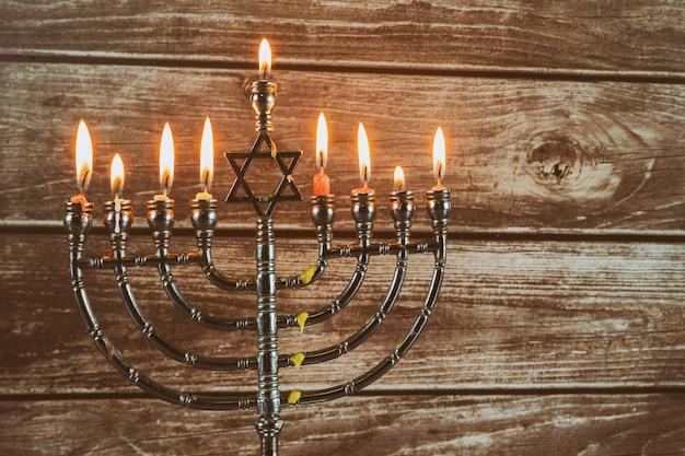 Símbolo do feriado judaico hanukkah, o festival judaico das luzes Foto Premium