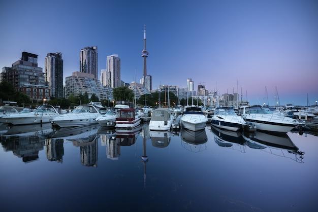 Skyline da cidade de toronto Foto Premium