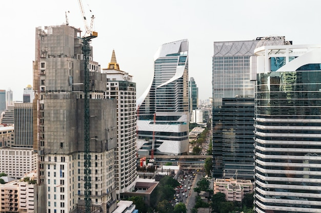 Skyline de banguecoque da arquitetura da cidade, tailândia. bangkok é a metrópole e favorito dos turistas ao vivo. Foto Premium