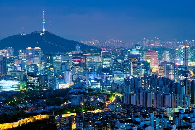 Skyline de seul na noite, coreia do sul. Foto Premium