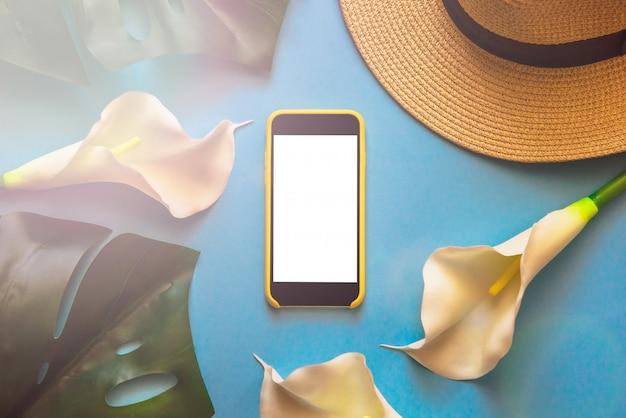 Smartphone Com Chapéu De Palha Tropical Deixa Monstera E Callas