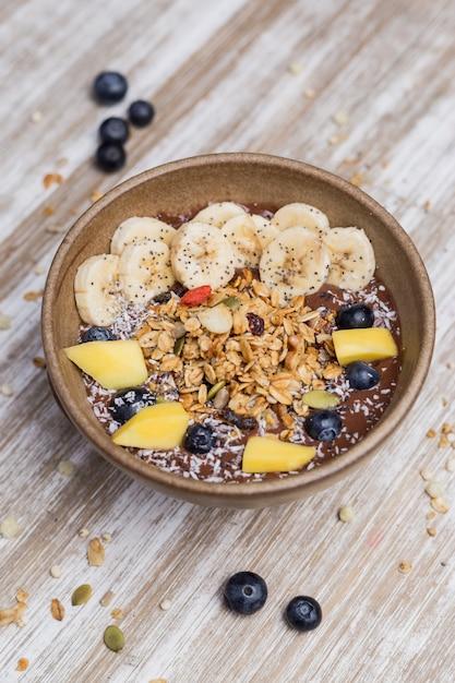 Sobremesa de banana saudável com aveia e iogurte Foto Premium