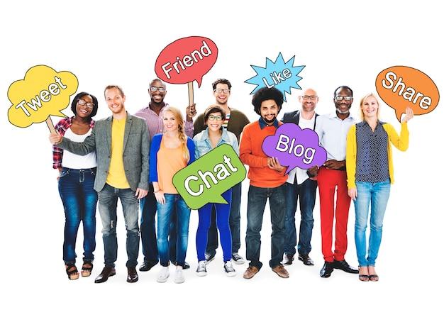 Social networking people holding speech conceito de bolhas Foto gratuita