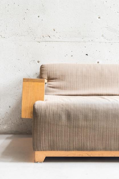 Sofá de madeira de luxo Foto gratuita