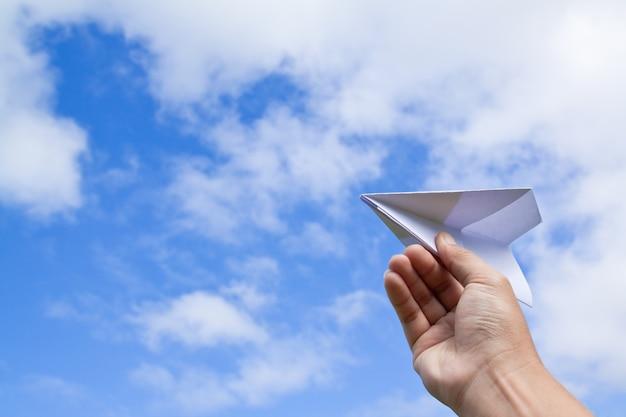 Sonhar avião origami imaginação jogo Foto gratuita