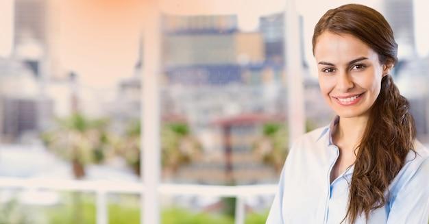 Sorrindo empresários formais moldura da janela jovem adulto Foto gratuita
