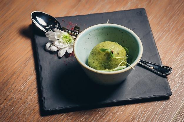Sorvete de pistache cal verde refrescante Foto Premium