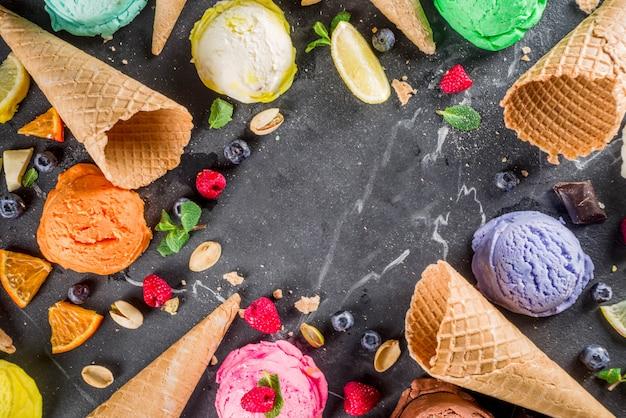 Sorvete pastel colorido com cones de waffle Foto Premium