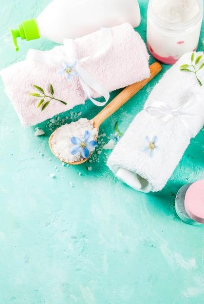 Spa relaxar e conceito de banho com sal marinho Foto Premium