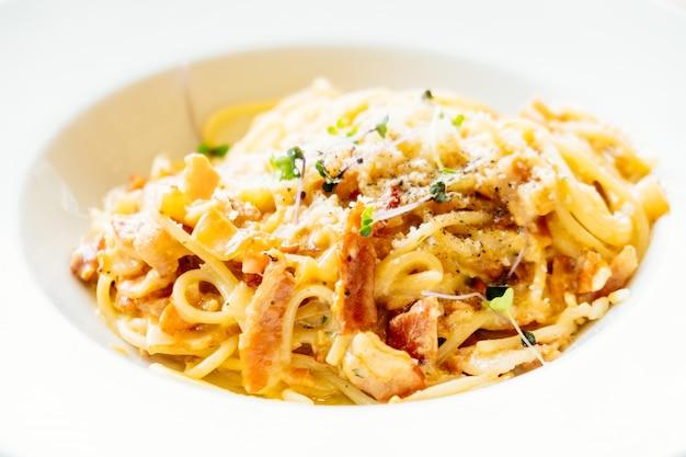 Spaghetti carbonara Foto gratuita