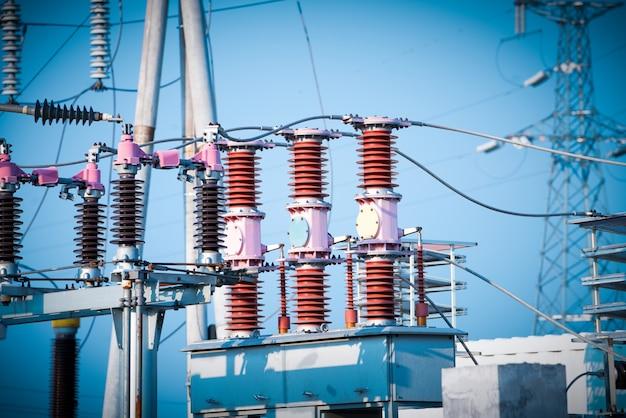Subestação de energia de alta tensão Foto Premium