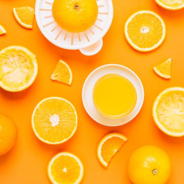 Suco de laranja caseiro saudável vista superior Foto gratuita