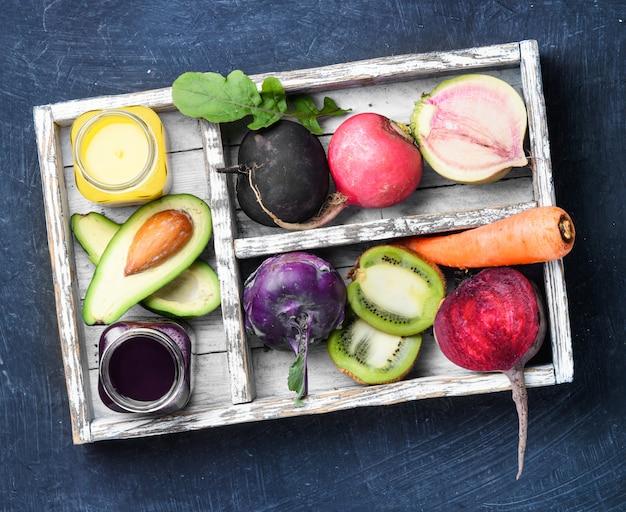 Suco de legumes frescos Foto Premium