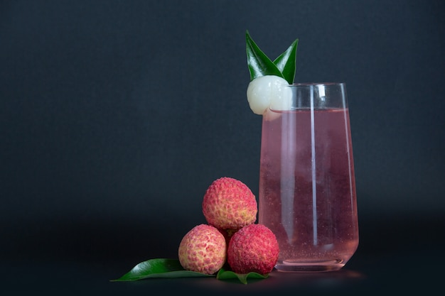 Suco de lichia e frutas lichia. Foto gratuita