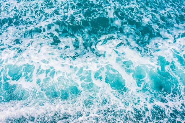 Superfície de onda de água bonita do mar e oceano Foto Premium