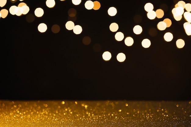 Superfície molhada perto de luzes abstratas Foto gratuita