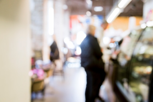 Supermercado com efeito borrado Foto gratuita