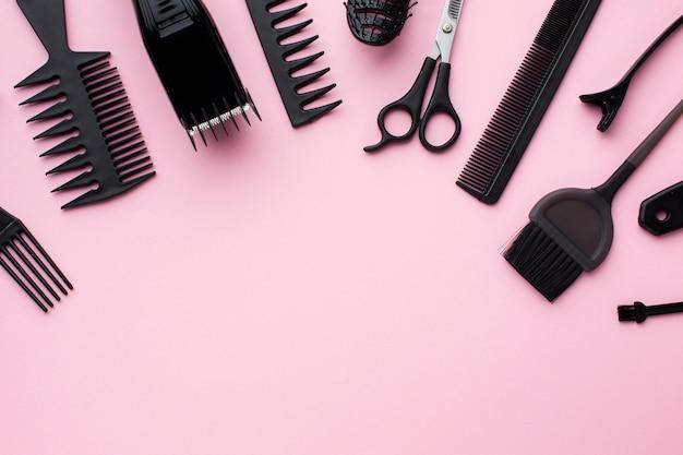 Suprimentos para cabelos em configuração plana Foto gratuita