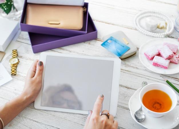Tablet digital de maquete de espaço de design Foto Premium