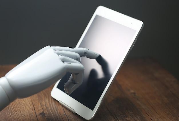 Tableta de operações robóticas ai Foto gratuita
