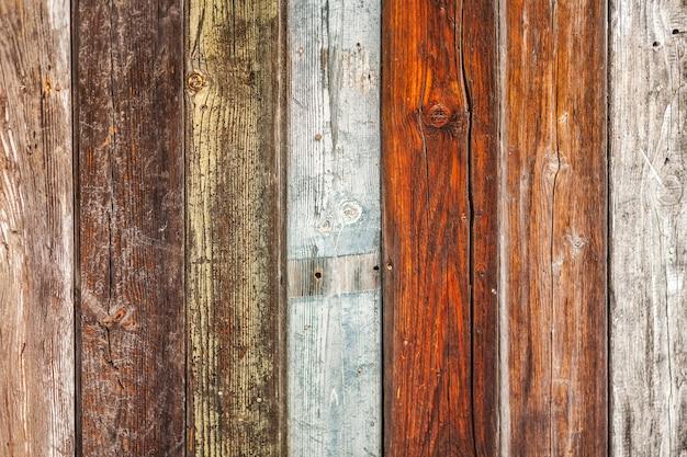 Tábuas de madeira de várias cores Foto gratuita