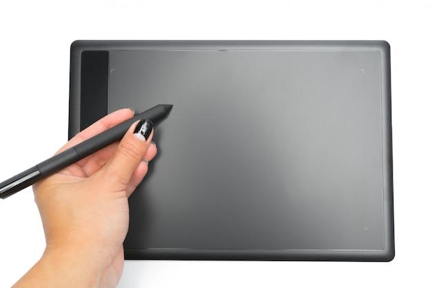 Tabuleta gráfica com caneta e mão para ilustradores e designers, isolado Foto Premium