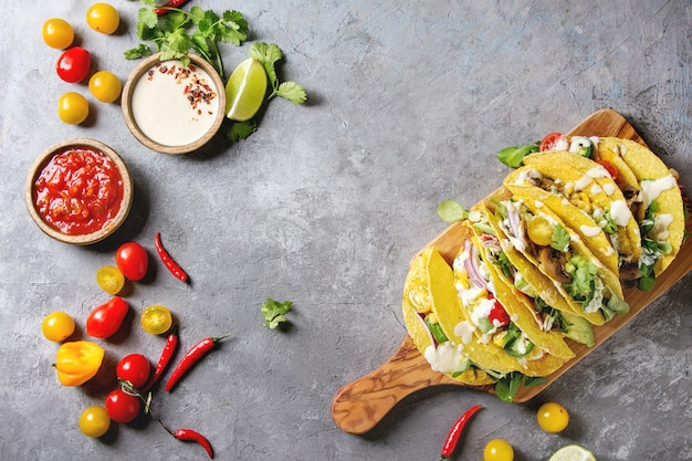 Tacos de milho vegetariano Foto Premium