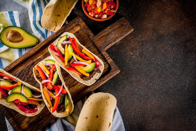 Tacos de porco mexicano Foto Premium