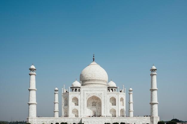 Taj mahal, edifício de luxo na índia Foto gratuita