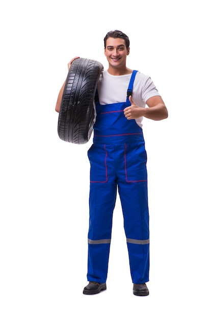 Técnico de pneus bonito isolado no branco Foto Premium