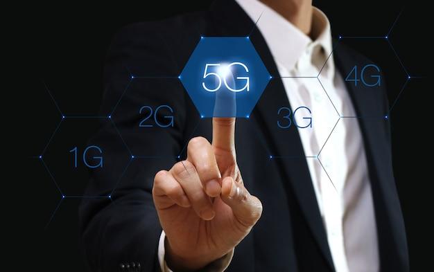 Tecnologia de rede 5g. conceito de negócio na internet. Foto Premium