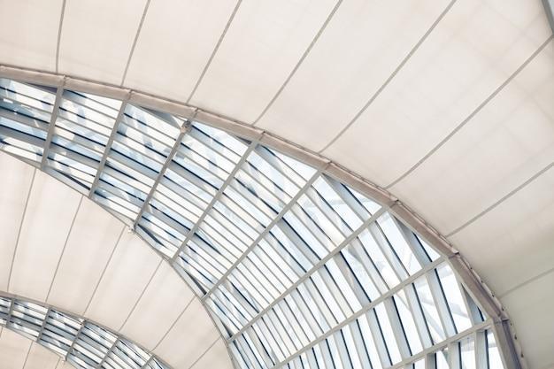 Telhado de vidro de edifícios modernos Foto Premium