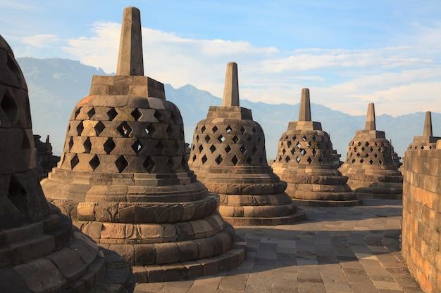 Templo de borobudur na indonésia Foto Premium